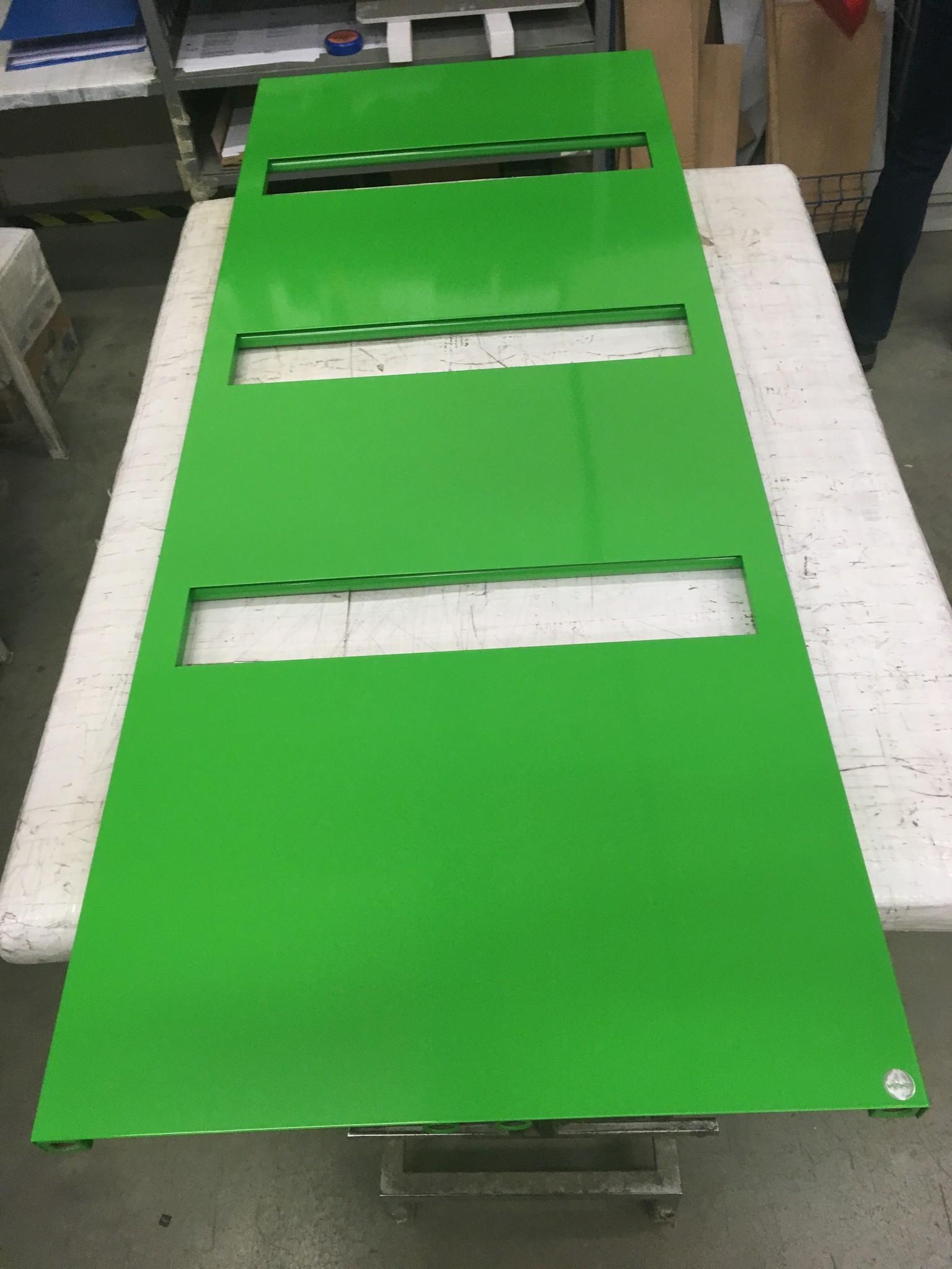Radiateur SUE en couleur vert RAL 6018