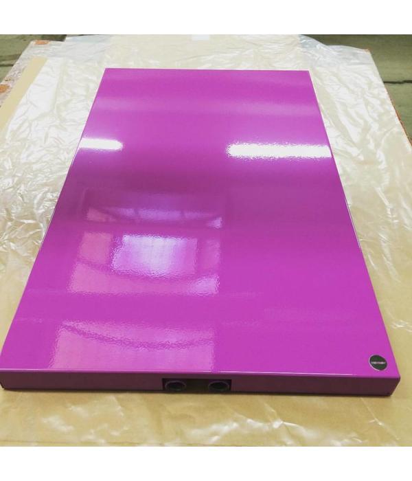 HOTHOT Heizkörper in der Signalviolett Farbe RAL 4008