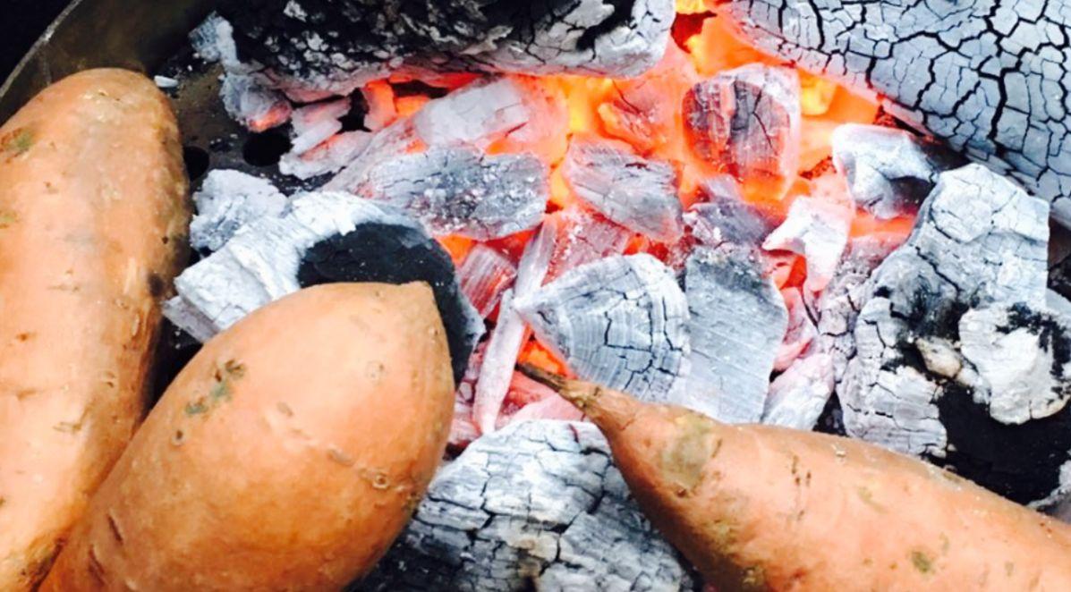 Gepofte aardappel, bij de bbq is je schoonmoeder dat zo gewend