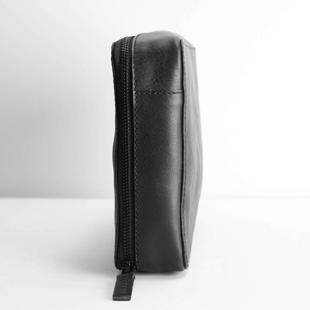 Capra Leather Gadget Organizer Black Nuts Noble