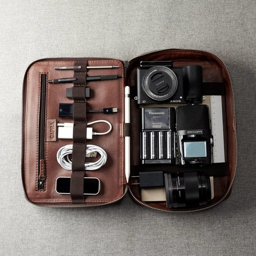 Capra Leather Gadget Organizer - Tobacco