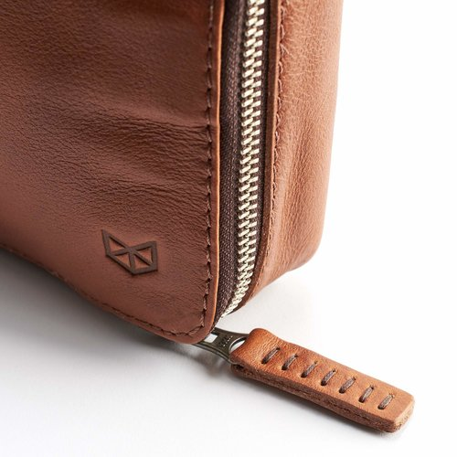 Capra Leather Gadget Organizer - Tan