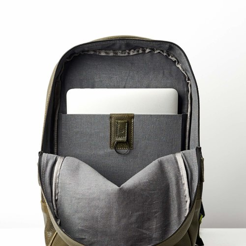 Capra Leather Bisonte - Military Green