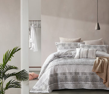 Dreamhouse Bedding Bedsprei Elegant Stripe Grey