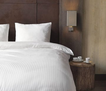Beau Maison  Hotellinnen Wit Katoen Satijn