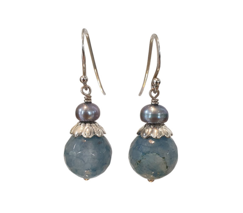 Earring with Pearl and Larimar