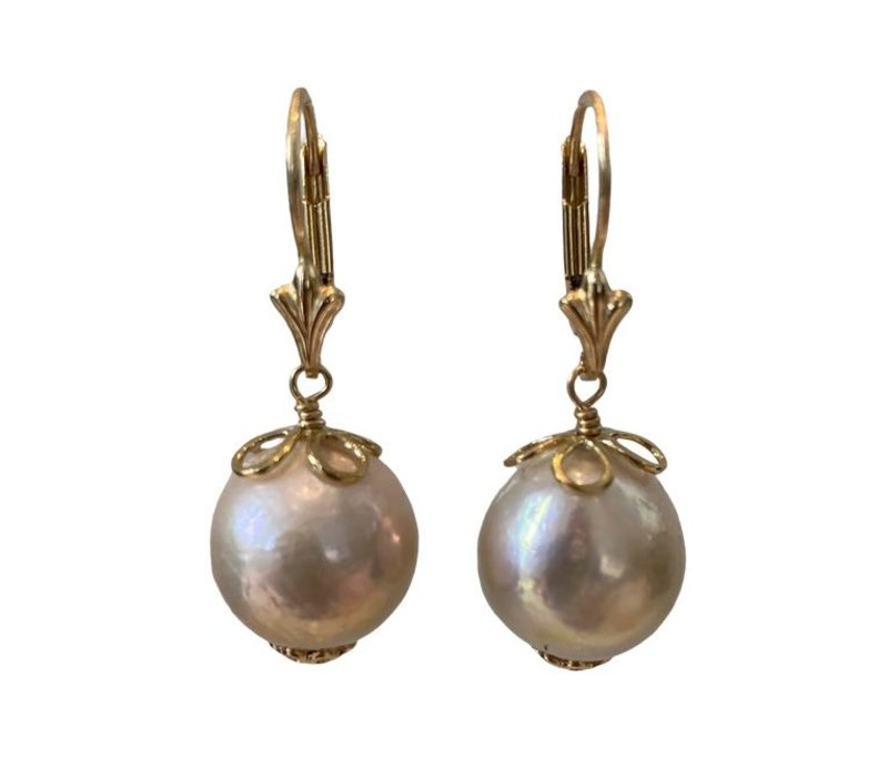 Earrings with Pearl from the Oyster