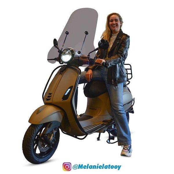 Vespa Primavera 50 4T Euro 4 Melanie Latooy Edition
