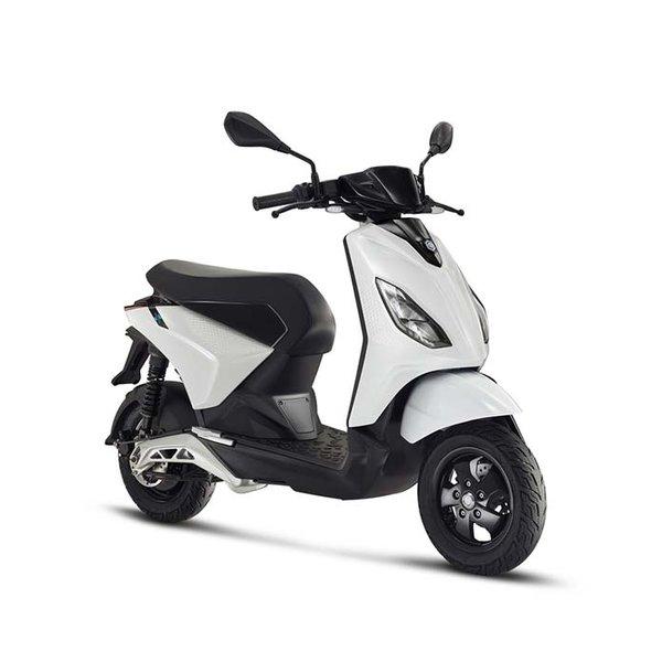 Piaggio One + Plus Elektrische Scooter