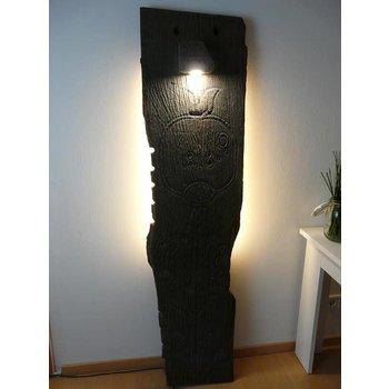 Lichtobjekt aus antiken Holz Wandleuchte Anno 1818