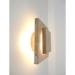Wall lamp made of beech wood