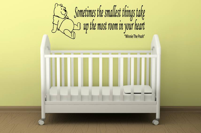Muurstickers Winnie The Pooh Zwart Wit.Winnie De Pooh Quote Sometimes The Smallest Things Take Up The Most
