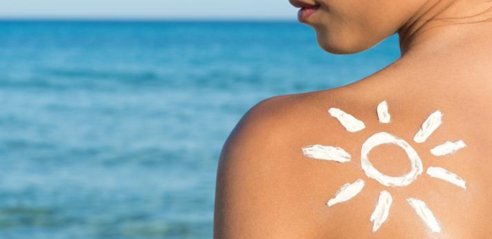 Wat te doen bij een allergische reactie op zonnebrand?