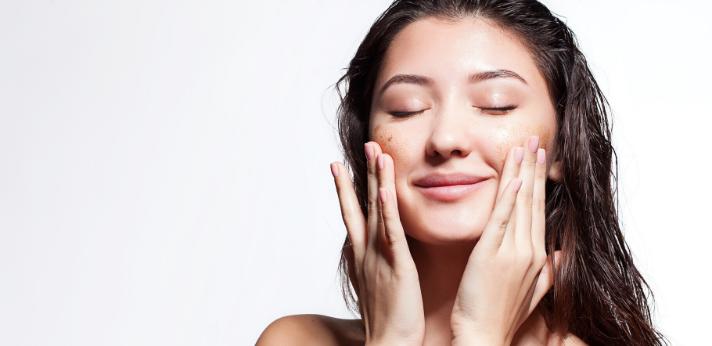 Alles over het scrubben van je gezicht