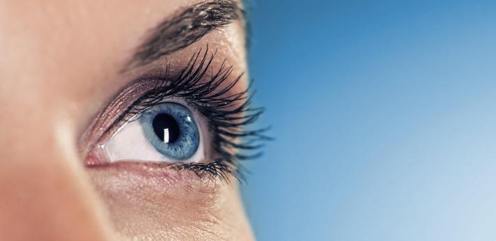 Wat te doen bij een ontstoken ooglid?
