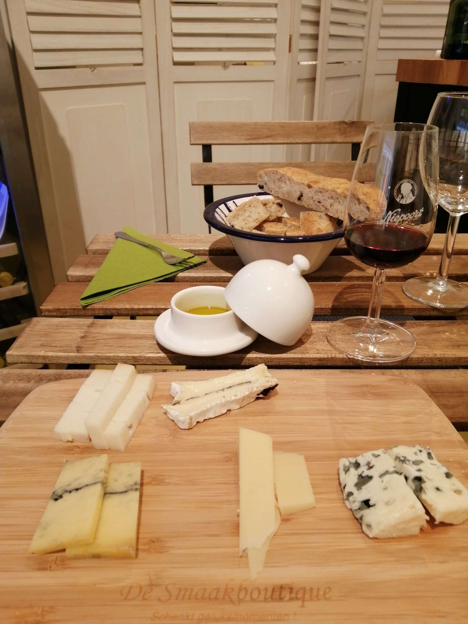 Cheese tasting 5 cheeses