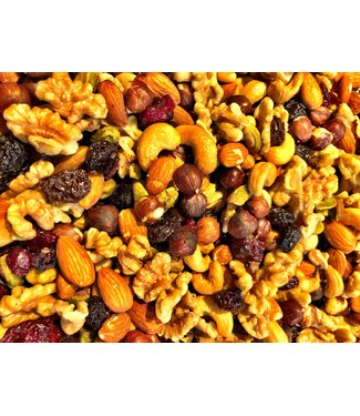 Nuts mix with raisins en cranberries