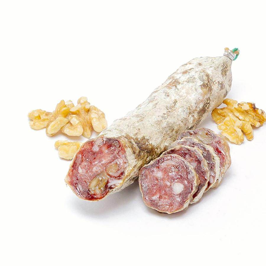 Franse gedroogde worst met walnoten