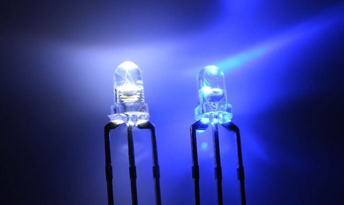 3mm Round Led Clear Bi-color Blue / White Common Cathode