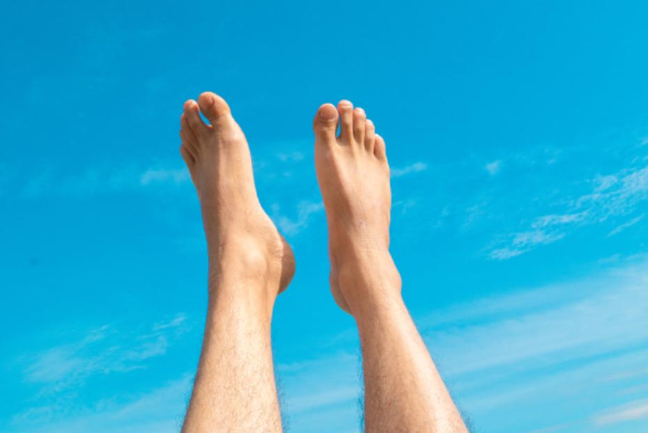 dikke voeten en dikke enkels: 17 oorzaken en oplossingen [2019 update]