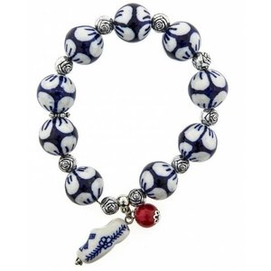 Typisch Hollands Charm bracelet with clog charm