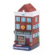 Typisch Hollands Polystone huisje Waffle shop Amsterdam