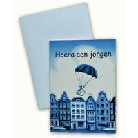 Typisch Hollands Dubbele wenskaart - Hoera een Jongen!
