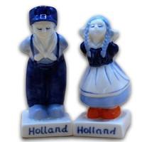 Typisch Hollands Pepper and Salt - Kissing couple