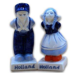 Typisch Hollands Salz und Pfeffer - Paar küssen