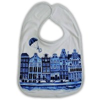 Typisch Hollands Bib Delft blue gable houses.