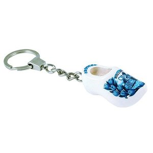 Typisch Hollands Key ring with 1 wooden shoe - Delft blue - Kiss couple