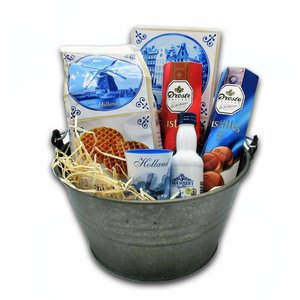 van Meers Typical Dutch delicacies - Bucket with wooden handle