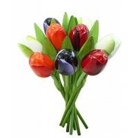 Typisch Hollands Strauß hölzerner Tulpen