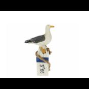 Typisch Hollands Seagull on bollard number 66