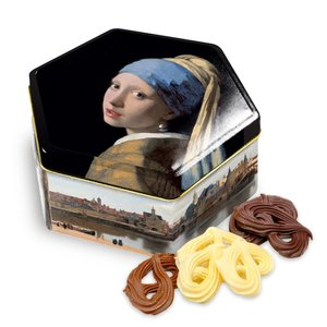 Typisch Hollands Look Vermeer The Girl with the Pearl with chocolate