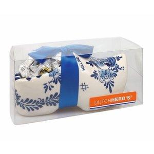 Typisch Hollands Large souvenir clog Delft blue - 18 cm with Hopjes