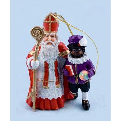 Typisch Hollands Sinterklaas en zwarte piet staand