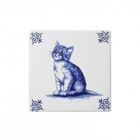 Typisch Hollands Delft blue tile with a cat.