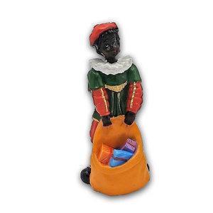 Typisch Hollands Zwarte Piet - Zak vol met cadeau`s - 14cm