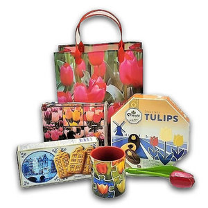 www.typisch-hollands-geschenkpakket.nl Dutch gift package - theme Tulips -Red
