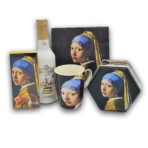 Typisch Hollands Gift package - The Girl with a Pearl Earring - (with liqueur)