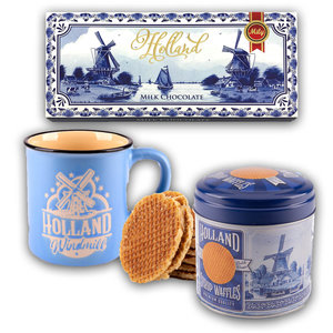 Typisch Hollands Chocolate, Mug and stroopwafels - gift set - Blue