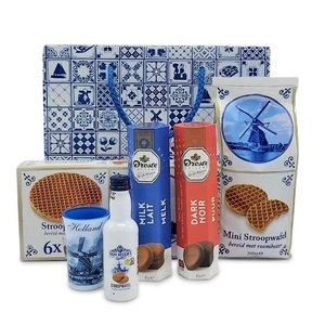 van Meers Typical Dutch delicacies - in goodie bag - Delft blue