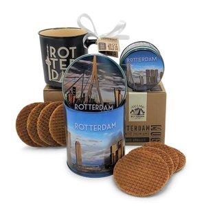 Typisch Hollands Geschenkset Rotterdam Becher - Stroopwafels und Süßigkeiten