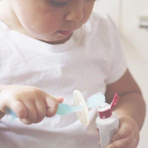 HaaKaa Silicone Tandenborstel met anti-stikring en zuignap