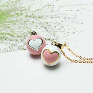 Babylonia Bola hart wit, met roze hart en gouden randje