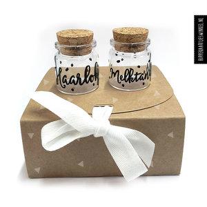 Hippe Kaartjes Haarlokje en melktandjes flesje  in cadeauverpakking  - Groot