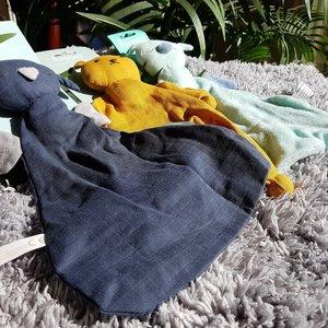 Hoppa Hugo Muslin navy blue - Tutpopje doudou Organic cotton