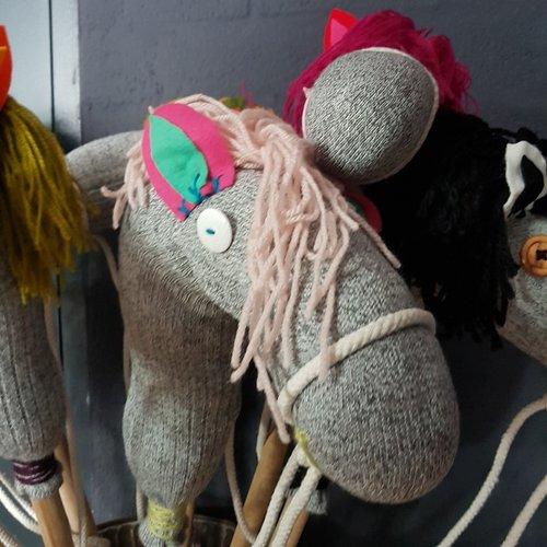 Handgemaakt Stokpaard -  Hazel the horse