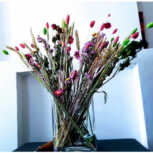 Wild Flowers: Droogbloem Market More Pink